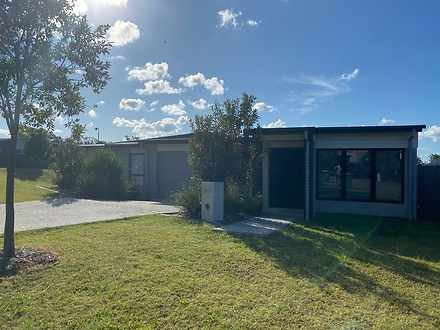 28B Bottle Brush Circuit, Coomera 4209, QLD Duplex_semi Photo