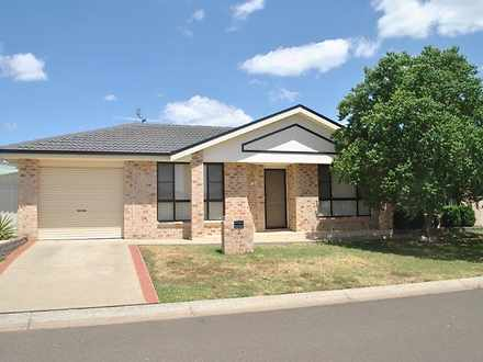 House - 2 Burdekin Place, T...