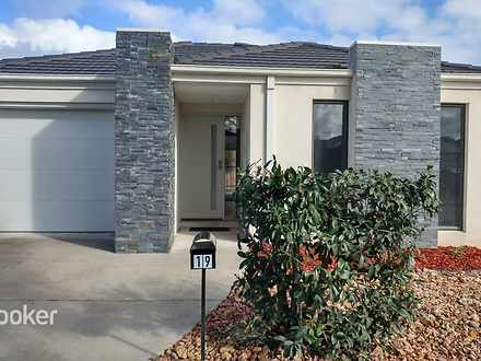 House - 19 Persimmon Way, D...