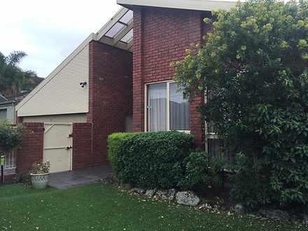 House - 6 Maxwell Grove, Ca...