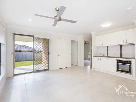 2/98 Sarah  Drive, Yamanto 4305, QLD Duplex_semi Photo