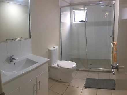 D09f296cb9e30de00184c1be mydimport 1586965811 hires.8924 bathrooma25downtait 1587001900 thumbnail