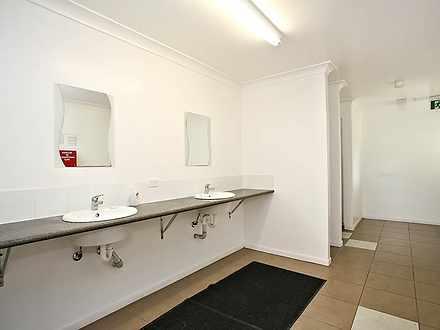 42c028a1489400f68d4cb3e8 mydimport 1586965810 hires.13276 bathroom1 1587005477 thumbnail
