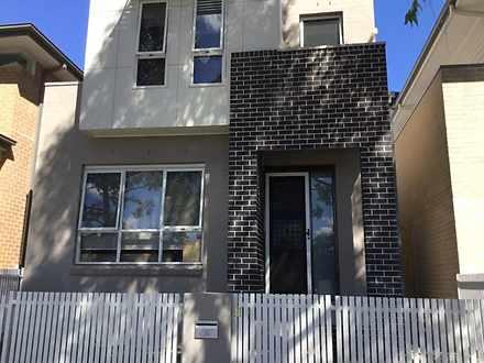 House - 56 Caddies Boulevar...