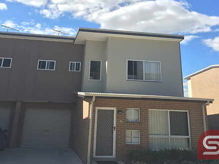 Townhouse - 2/39 River Road...