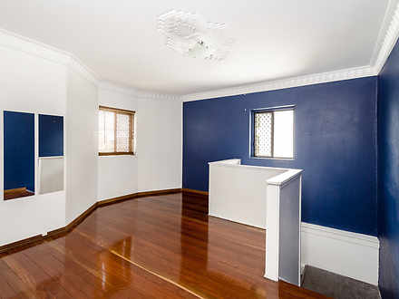 Unit - 3/37 Bramston Street...