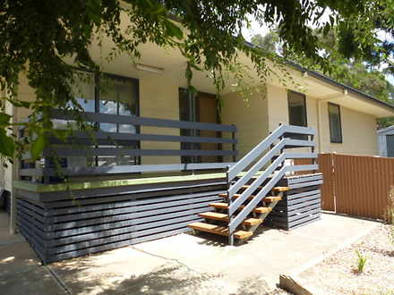 House - 13 Earles Court, Cl...