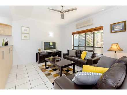 Unit - 10/58 Glenlyon Stree...