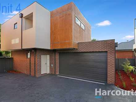 House - 4/34 Middle Road, M...