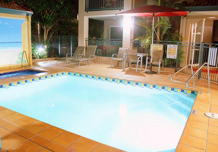21 Peerless Avenue, Mermaid Beach 4218, QLD Apartment Photo
