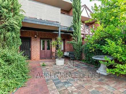 Townhouse - 309 Melbourne S...