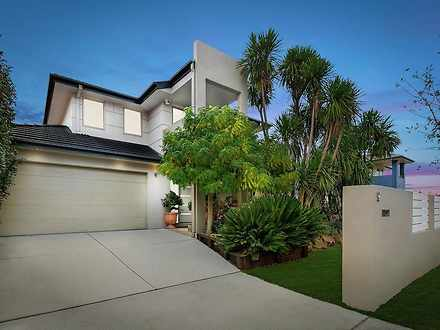 House - 9 Ellinor Walker St...