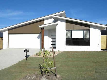 House - 32 Malachite Drive,...