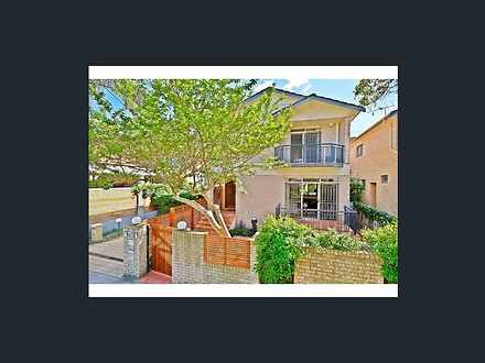 Townhouse - 1/30 Roberts St...