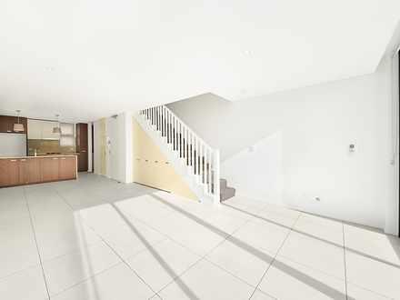 E49277e54a48385d0a8b8c3e 740 1 lounge with staircase %28medium%29 1589430730 thumbnail