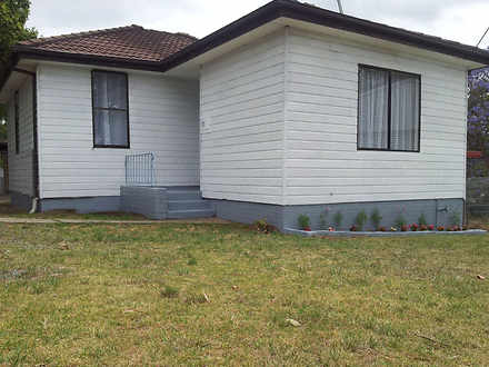 House - 15 Noakes Parade, L...
