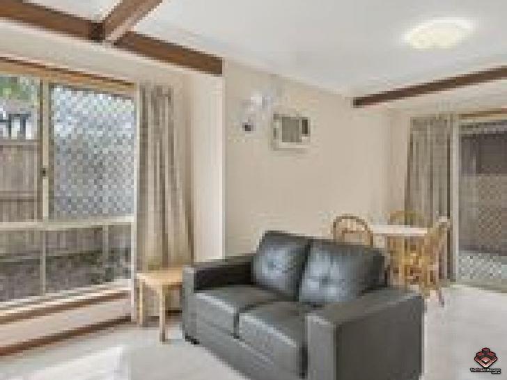 ID:3917056/18 Barrett Street, Robertson 4109, QLD Apartment Photo