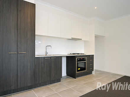 Townhouse - 15 Lithgow Way,...