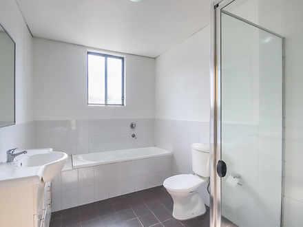 813b90e7e003a1735765115f 8859 bathroom 1590110222 thumbnail
