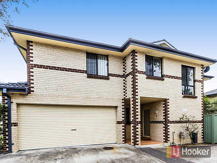 Townhouse - 2/63 Spencer St...