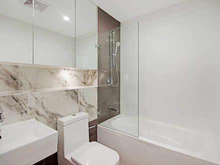 39c4b6e1638ff55681facfb7 23074 bathroom 1590192899 thumbnail
