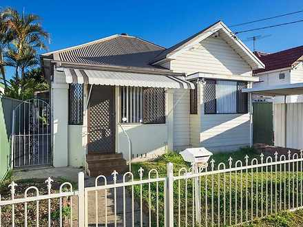 House - 4 Australia Street,...