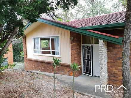House - 6 Springwood Drive,...