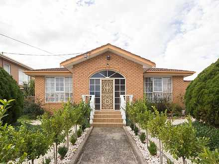House - 865 Heatherton Road...