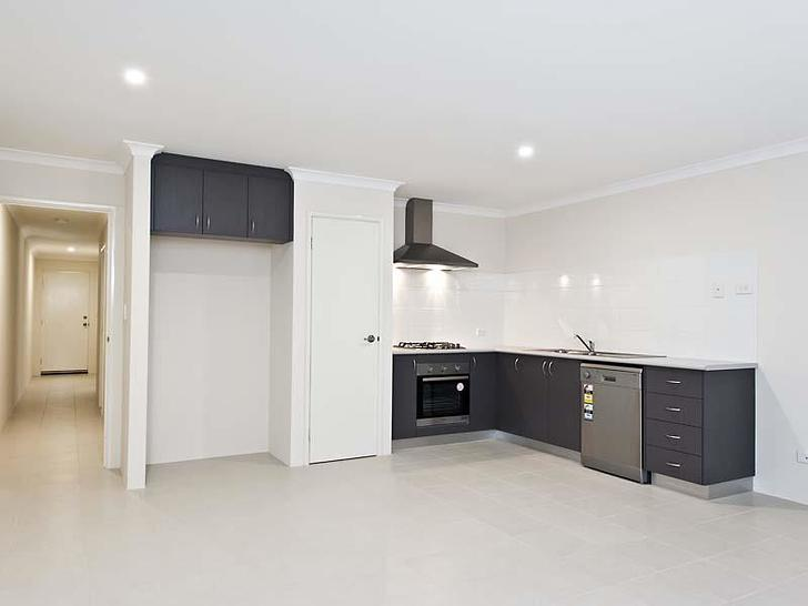 House - 51 Fairbourne Appro...