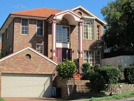 House - 28 Warrigal Road, S...