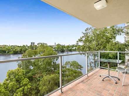 Apartment - 15/122 Macquari...