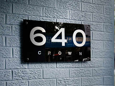 Studio - 2/640 Crown Street...