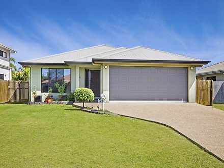 House - 18 Farnham Court, K...