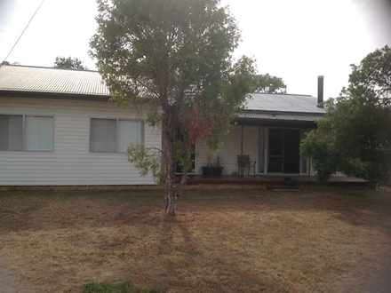 House - 6 Russell Street, W...