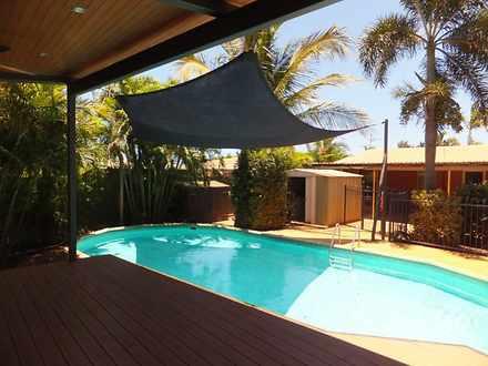 House - 14 Lockyer Crescent...