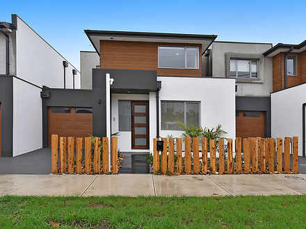 Townhouse - 137 Roberts Str...