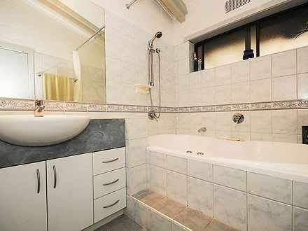 D5d8385577ed786b054ac4e3 18934 bathroom 1590977684 thumbnail