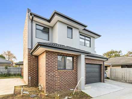 House - 2/476 Scoresby Road...