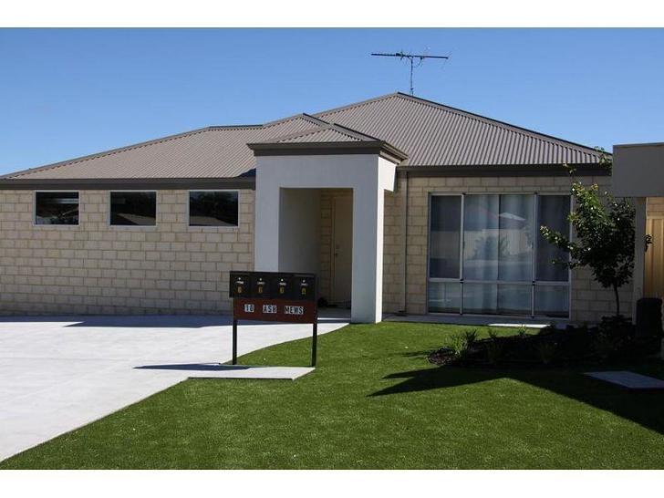 House - 2/10 Ash Mews, Coll...