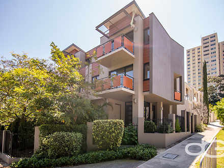 Townhouse - 4/138 Mill Poin...