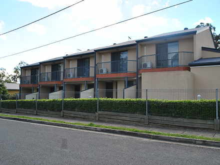 Townhouse - 1/22 Brisbane R...