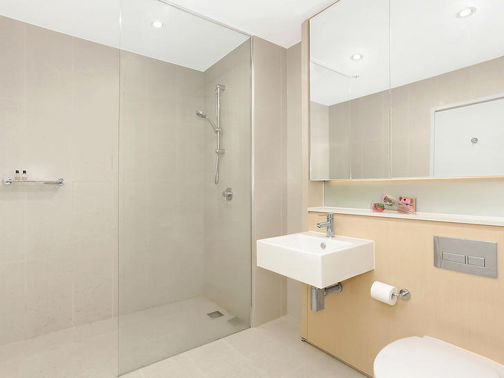 Apartment - 812G/4 Devlin S...