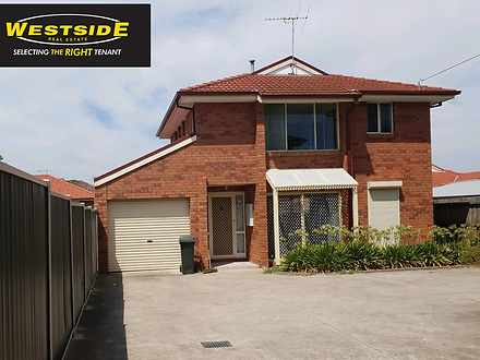 Townhouse - 2/135 Main Road...
