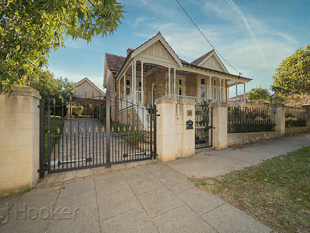 House - 15 Throssell Street...