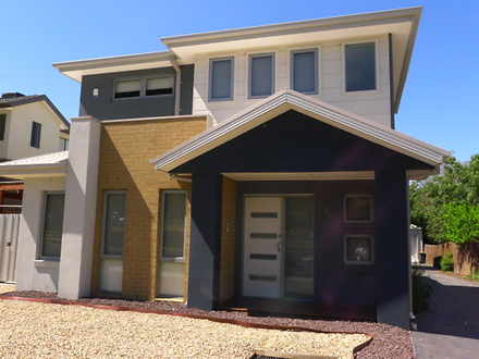 Townhouse - 1/2 Strachan St...