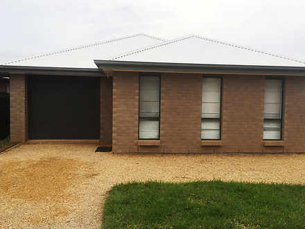 House - Elizabeth Park 5113...