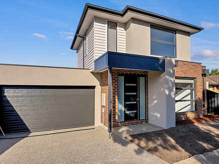 House - 11 Wickham Court, M...