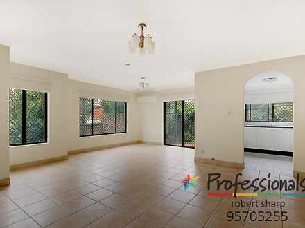 Townhouse - 1/8 Graham Road...
