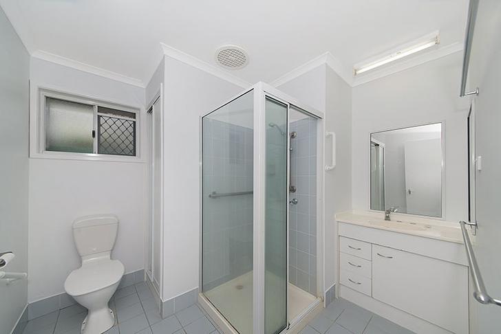 24017b001ec791f8d15ba121 1192 advertisingphotos 27 354rossriver bathroom 1593058487 primary