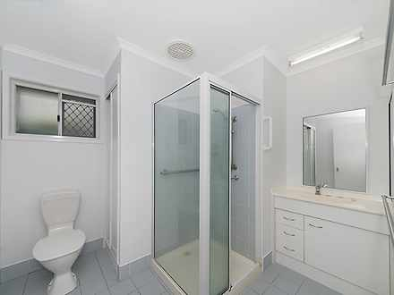 24017b001ec791f8d15ba121 1192 advertisingphotos 27 354rossriver bathroom 1593058487 thumbnail
